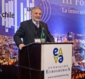 Eduardo Bitrán Durante su intervención