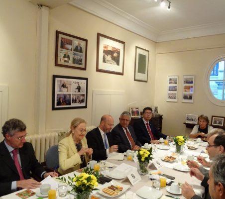 desayuno-embajador-paraguay-11