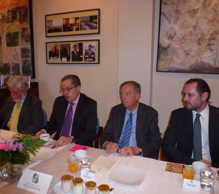 Manuel Alabart, Fernando Carrillo, Carsten moser; Pablo Bello