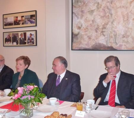 Carlos esco, Roberta Lajous; Valentín Diez Morodo, José María Robles Fraga