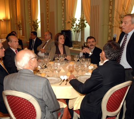 Almuerzo-coloquio con Manuel Borja-Villel