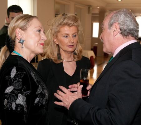 Benita Ferrero- Waldner, Isabel Tocino y Fernando Almansa