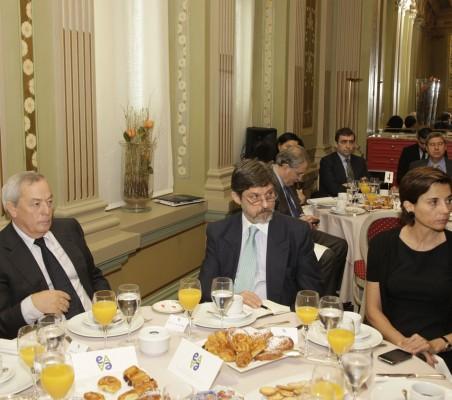 Carlos Solchaga, Palo Cesar Oliveira Campos, Olga Cuenca