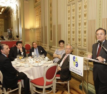 Almuerzo-coloquio con Juan Pablo de Laiglesia