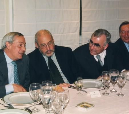 Stiglitz-Waigel02_05