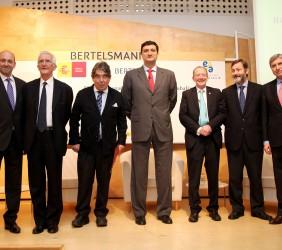 Fernando Carro, Tristan Garel-Jones, Tom Burns, Francisco Javier Garzón, José Manuel Blecua, Rafael Rodríguez-Ponga y José Luis García Delgado