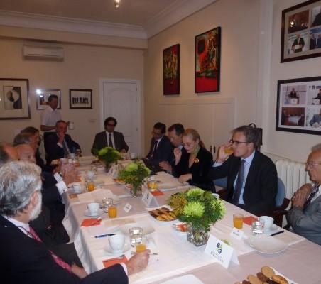 Desayuno-coloquio con Luís Martí Mingarro