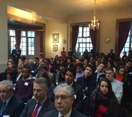 Publico asistente a la II Conferencia CAF-LSE