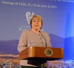La Presidenta clausurando el Foro