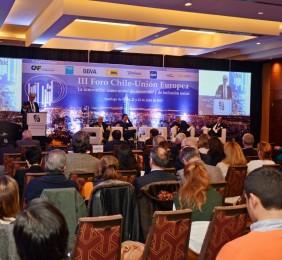 Publico  en la Sesión Financiera y Turismo