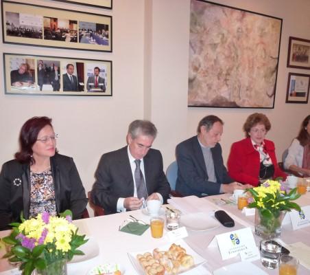 Doris Osterlof, Ramón Jáuregui, Emilio Cassinello, y Roberta Lajous