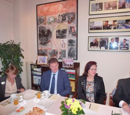 Luisa Peña, Vicente Mohedano, Doris Osterlof, y Ramón Jáuregui