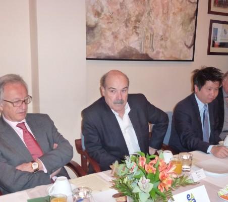 Ángel Durández, Antonio Resines y Marcelo Hasunuma