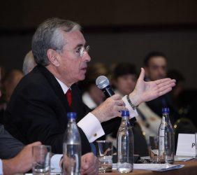 Ramón Jáuregui, interviniendo desde el público