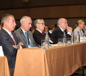 Sergio Aranda, Pablo Gómez de Olea, Ramón Jáuregui, Joaquín Almunia y Benita Ferrero-Waldner en la sala