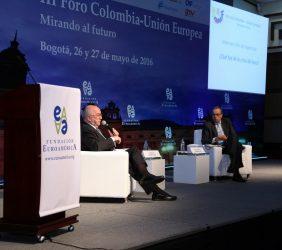 Joaquín Almunia y  Fernando Carrillo