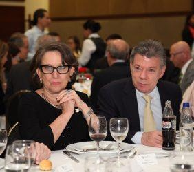 Secretaria General Iberoamericana Rebeca Grynspan Y Presidente Juan Manuel Santos