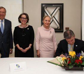 Carsten Moser, Rebeca Grynspan, Benita Ferrero-Waldner, Juan Manuel Santos