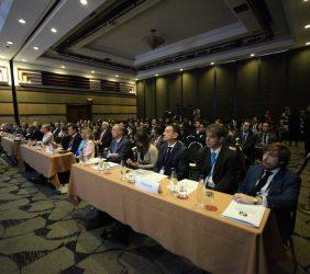 Carsten Moser, Yanet Giha Tovar, Piero Venturi, Germán Casal Arcau, Carlos Loaiza, en la sala