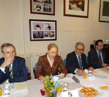 Guillermo Kirkpatrick, Benita Ferrero-Waldner, Germán Ríos y Javier Sánchez Checa