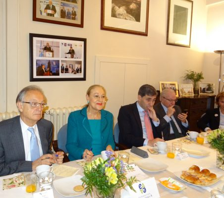 Ángel Durández, Benita Ferrero-Waldner, Alejandro González de Aguilar, Almerino Furlán y Luisa Peña