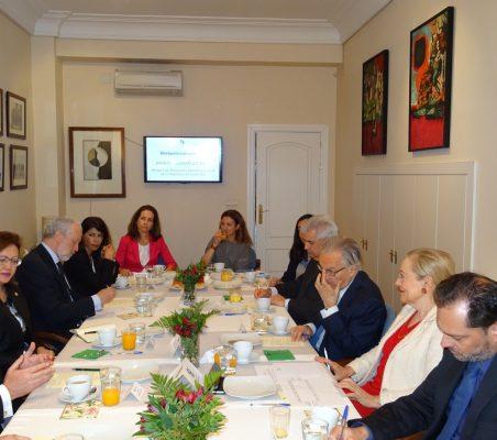 Invitados al desayuno-coloquio con el Ministro de Asuntos Exteriores y Culto de Costa Rica
