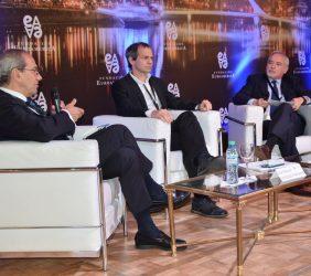 José Manuel González-Páramo, Lucas Llach, Daniel Valli