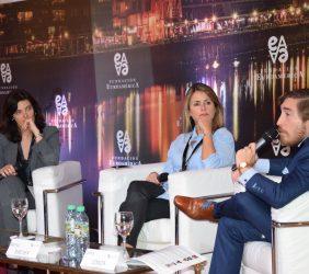 Lorella de la Cruz, Marisa Bircher, Carlos Loaiza, moderador