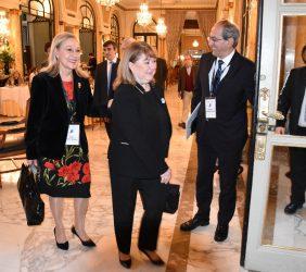 Llegada de la Canciller Susana Malcorra  con Benita Ferrero-Waldner y José Manuel González Páramo