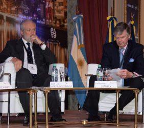 José Luis López-Schümmer, Daimler Mercedes para España, Portugal e Iberoamérica y Guillermo Stanley, moderador