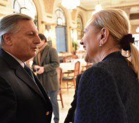 Juan José Aranguren , Ministro de Energía y Minas con Benita Ferrero-Waldner