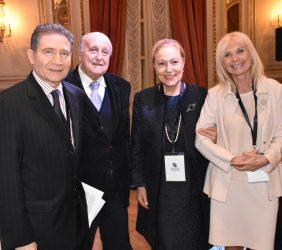 Benita Ferrero-Waldner con el Embajador de Francia y la Embajadora de Italia en Argentina y otro invitado