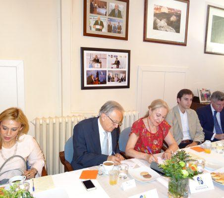 Anabella Machuca, Ángel Durández, Benita Ferrero-Waldner, Antonio Vargas y Claudio Vallejo
