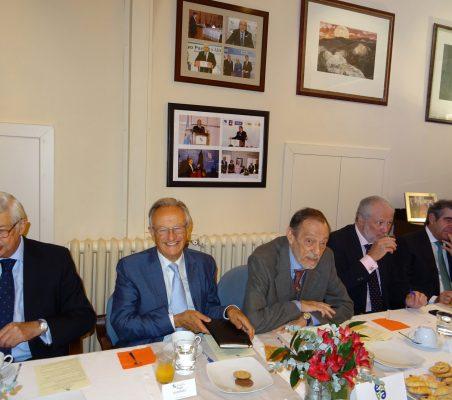 Rafael Puyol, Vicepresidente Ejecutivo de la Fundación IE; Ángel Durández, Vicepresidente de la Fundación Euroamérica; Emilio Cassinello, Vicepresidente de la Fundación Euroamérica; José Luis López-Schümmer, Chief Representation Officer del Grupo Daimler para España, y Carlos López, SGAE