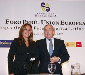 Trinidad Jiménez, Secretaria de Estado para Iberoamérica, Ministerio de AAEE, España, y Carlos Solchaga, Presidente de la Fundación Euroamérica