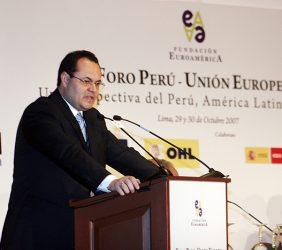 Luís Carranza, Ministro de Economía y Finanzas del Perú