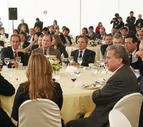 Mesa presidencial del almuerzo del primer día (29 de octubre)