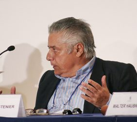 Miguel Ángel Bastenier, El País, España