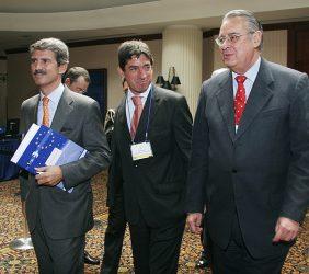 José Ignacio Salafranca, Europarlamentario, Copresidente de la Asamblea Parlamentaria Eurolatinoamericana; Fritz Du Bois, Gerente del Instituto Peruano de Economía, y Allan Wagner, Ministro de Defensa del Perú