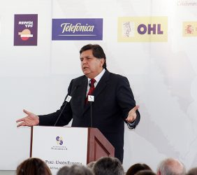 El presidente Alan García, durante su intervención en el almuerzo de Clausura