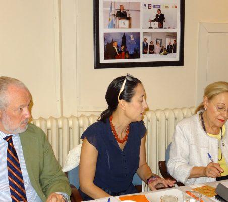 José Luis López-Schümmer, Chief Representation Officer del Grupo Daimler; Isadora Zubillaga, Presidenta de la Asociación Libertad y Democracia en Venezuela, y Benita Ferrero-Waldner, Presidenta de la Fundación Euroamérica