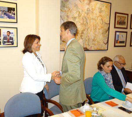 Laura Chinchilla saluda a José Ignacio Salafranca