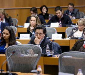 Cuerpo Diplomático latinoamericano, el Embajador de Bolivia ante la UE, Néstor Gabriele Bellavite Terceros [derecha].