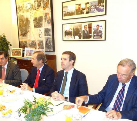 Martín Ortega Carcelén, Profesor de Derecho Internacional; Borja Baselga, Director de la Fundación Banco Santander; Pablo Casado, Vicesecretario de Comunicación del PP, y Carsten Moser, Vicepresidente de la Fundación Euroamérica