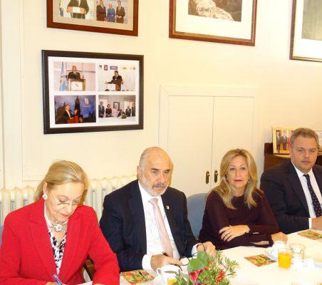 Benita Ferrero-Waldner, Presidenta de la Fundación Euroamérica; Alberto Furmanski, Embajador de Colombia; Trinidad Jiménez, Directora de Estrategia Global de Asuntos Públicos de Telefónica, y Sebastián Molteni, Ministro Consejero de la Embajada de Argentina