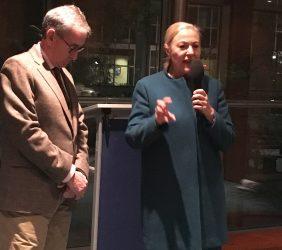 Ramón Jáuregui y Benita Ferrero-Waldner  inaugurando el cóctel