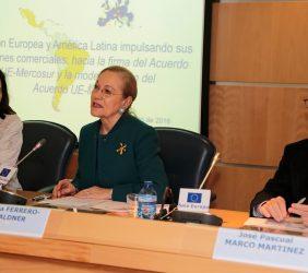 María Andrés, Benita Ferrero-Waldner y José Pascual Marco Martínez (MAEC)
