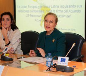 María Andrés y Benita Ferrero-Waldner