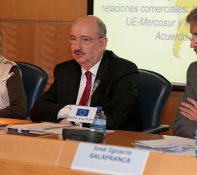 Inmaculada Rodríguez-Piñero, eurodiputada; Carlos de Icaza, Subsecretario de RR.EE. de México, y José Ignacio Salafranca, eurodiputado