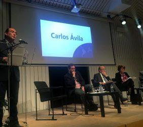 Interevención de Carlos Ávila, Grupo Alfa [en atril].